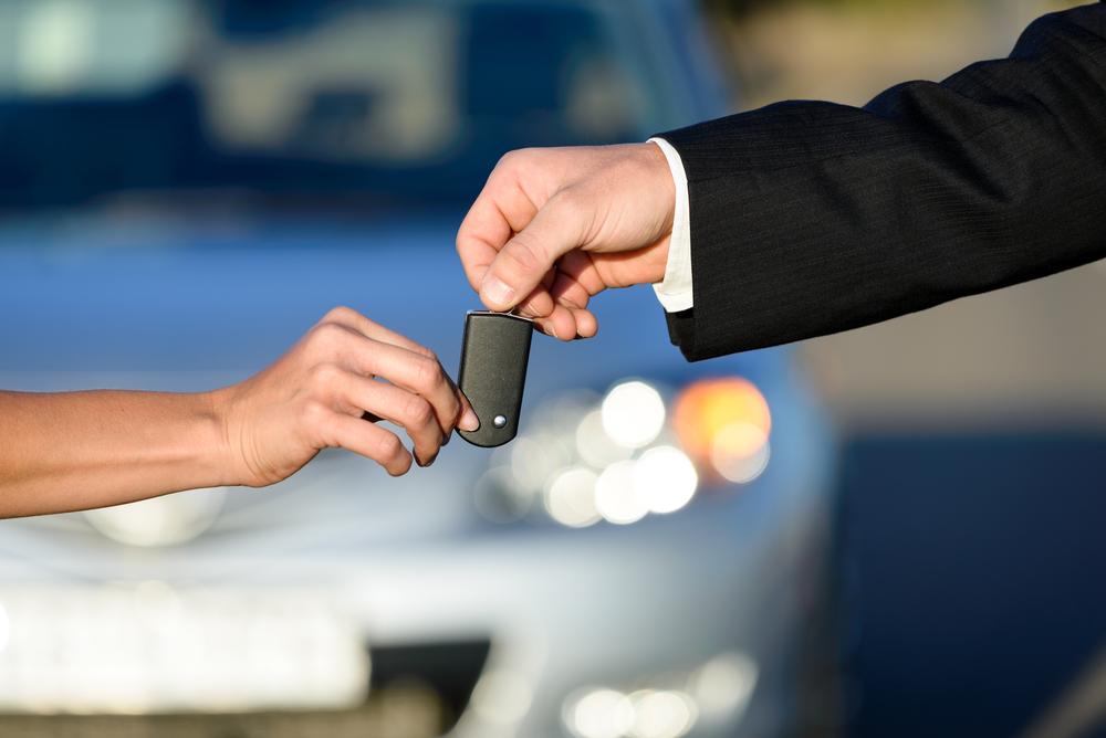 Incidente con auto in prestito: su chi ricade la responsabilità civile?